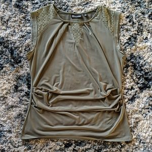 Women's side rouched tank